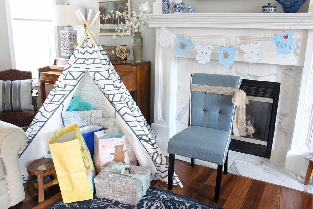 teepee with gifts