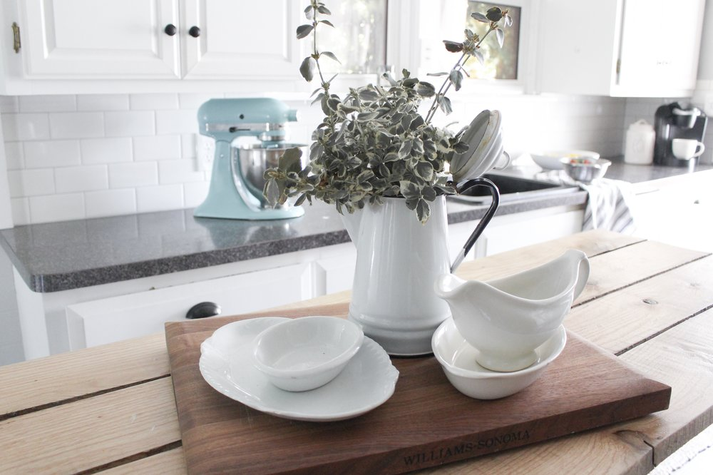 3 Easy Ways to Decorate the Kitchen