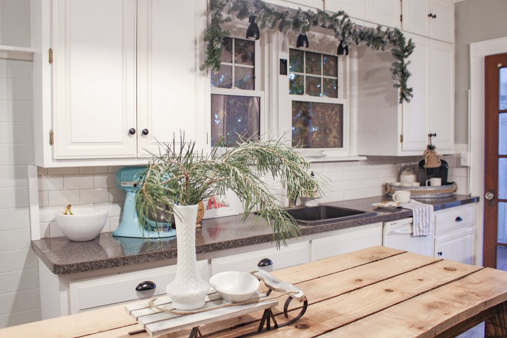 Simple Christmas kitchen decor