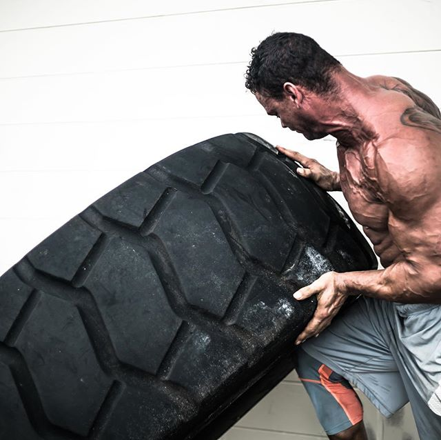 Extreme tire flipping with Jeffrey Culp at Culp's ATPC #tireflipping #tireflips #tireflipsarefun #biceps #triceps #legs #bodybuilding #muscles #muscle #fitness #fitnessmotivation #fitnesscoach