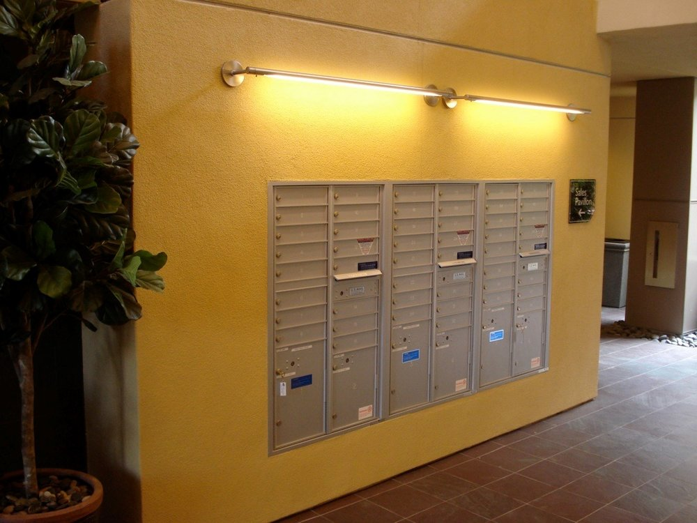 4Cmailbox (2).jpg