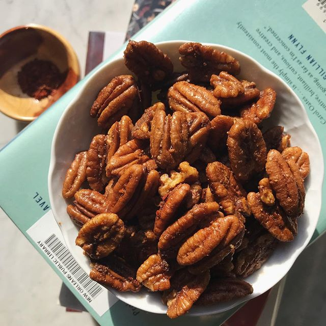 The best part of any #bookclub... snacks! Buttery Cayenne Roasted Pecans | Indian Cayenne Pepper, Mediterranean Aleppo, Shandong Sliced Garlic #royallyspicy