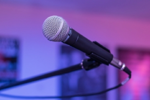 microphone-1159791_960_720.jpg
