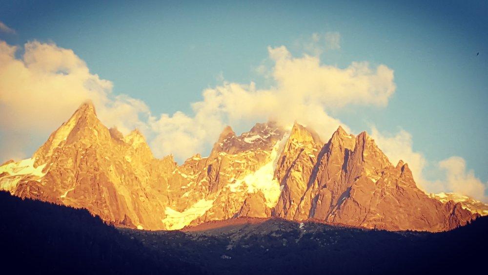 Alpenglow in Chamonix