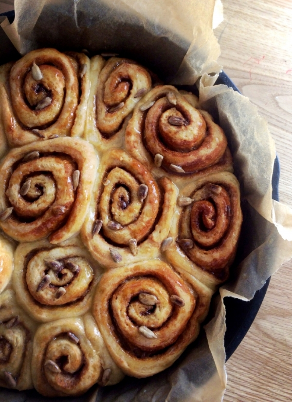 Easy vegan cinnamon rolls (nut free). Gooey deliciousness so good,you'd wish you made more.