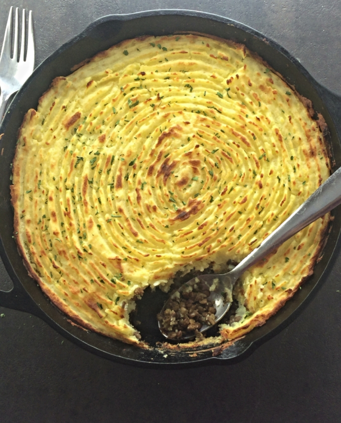 This meal will impress vegans and meat eaters alike.A great combination of golden potatoes, lentils, and mushrooms.