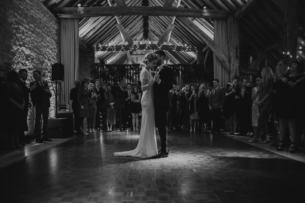 Jenny Packham dress Bury Court Barn Hampshire Wedding Photographer Gione da Silva_036.jpg