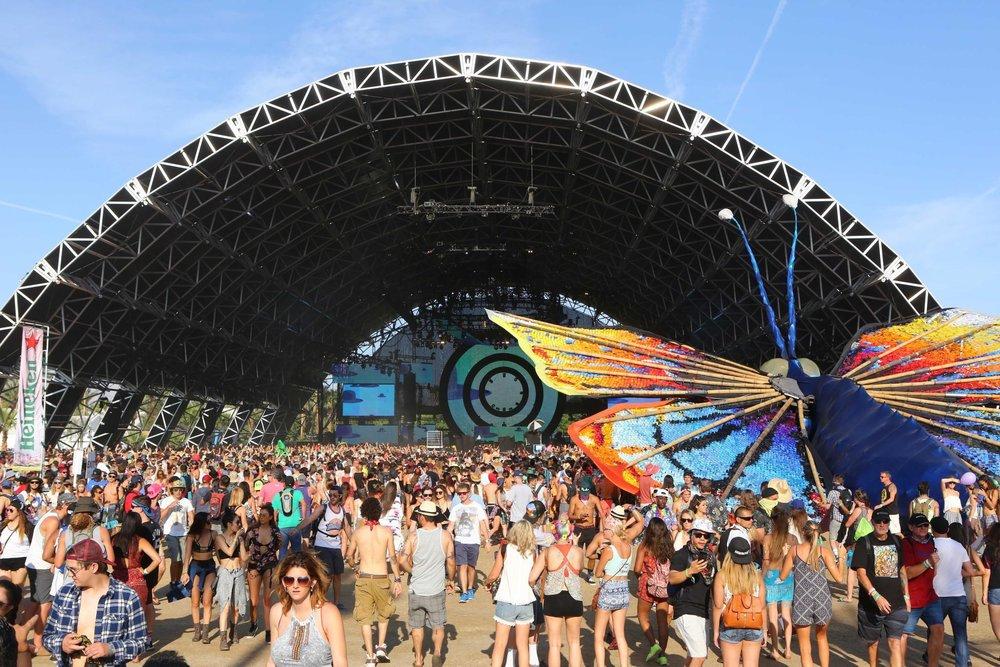 coachella-big-tent.jpg