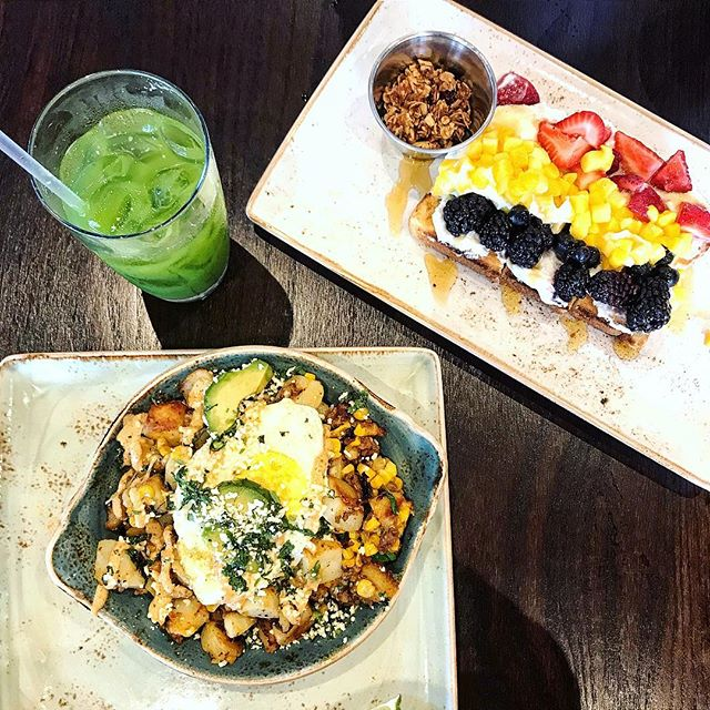 10/10 would recommend heading to @first.watch this month. Y'all have to try these seasonal menu items! . . 📷: Kale Tonic, Elote Mexican Street Corn Hash (which is my new fave menu item) and Rainbow Toast 🌈