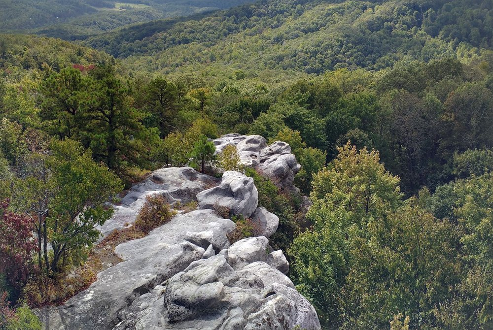 A rocky spine on Pine Mountain