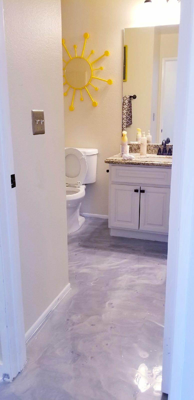 purple bathroom.jpeg