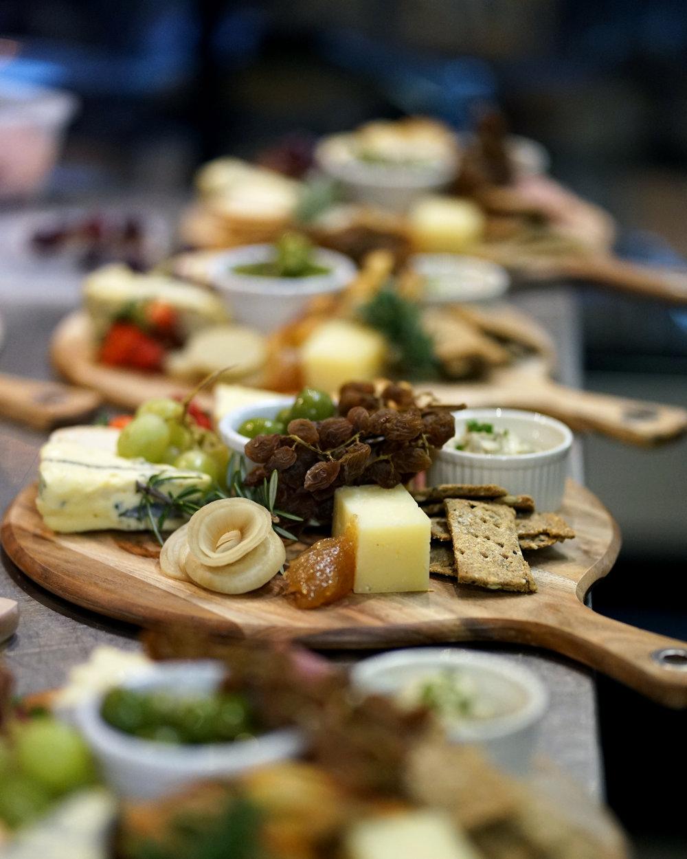 HDL_wine&cheese4_01.jpg