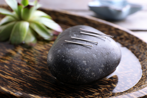 Flote-Station-Acupuncture-stone.jpg