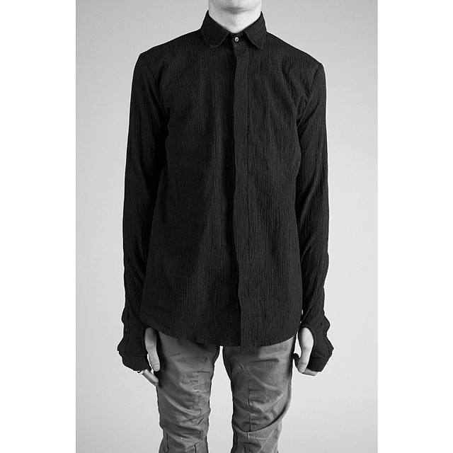 This black button-down longsleeves with built-in gloves available now on www.lentrian.com