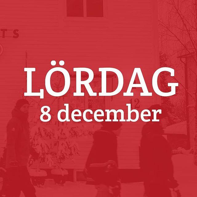 Äntligen lördag! Julmarknaden drar igång på rikt, med en massa smått och gott på schemat. Julshopping, marknadsmys, dans och musik, god mat — kan det bli bättre? Knappast. Tomten kommer förbi vid 14.30, det får ni inte missa. Och just det, julbodan är öppen även i år! Porjusvägen 18, hos @pirakdecordesign, klockan 11.00-15.00. Endast i dag! 🎄 Se programmet i sin helhet på www.jokkmokksjulmarknad.se, eller i vår bio. 🎄 #jokkmokksjulmarknad#jul#jokkmokk#julmarknad#norrbotten#sápmi #jåhkåmåhkke#julshopping#duodji #julklappar #vinter#snö#julbord#julmarknader#jokkmokksjulmarknad2018 #tomten #julstämningpårikt