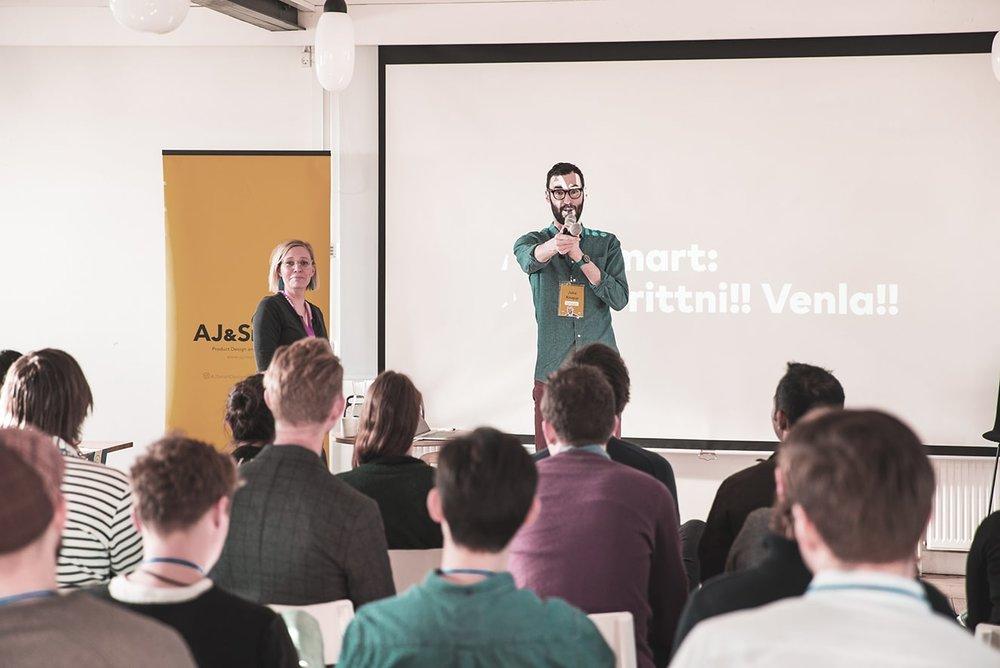 Aj&Smart and Jake Knapp design sprint workshop for 55 deltagere.  Læs casen her.