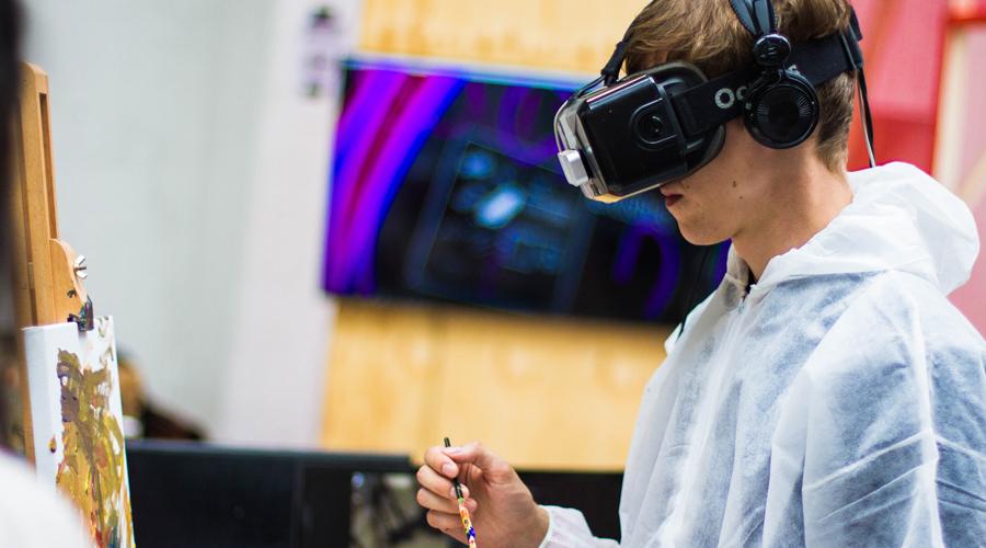 me-and-alice-blog-skab-bedre-motivation-med-interaktion-til-dit-event-virtual-reality.jpg