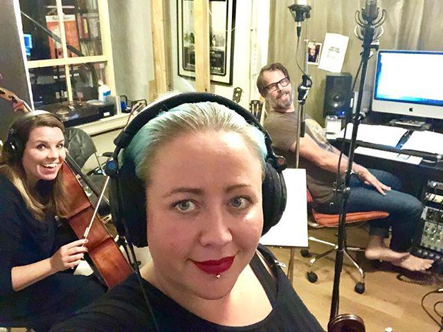 Igår kväll fick vi lyxhänga med @peckapope i studion!