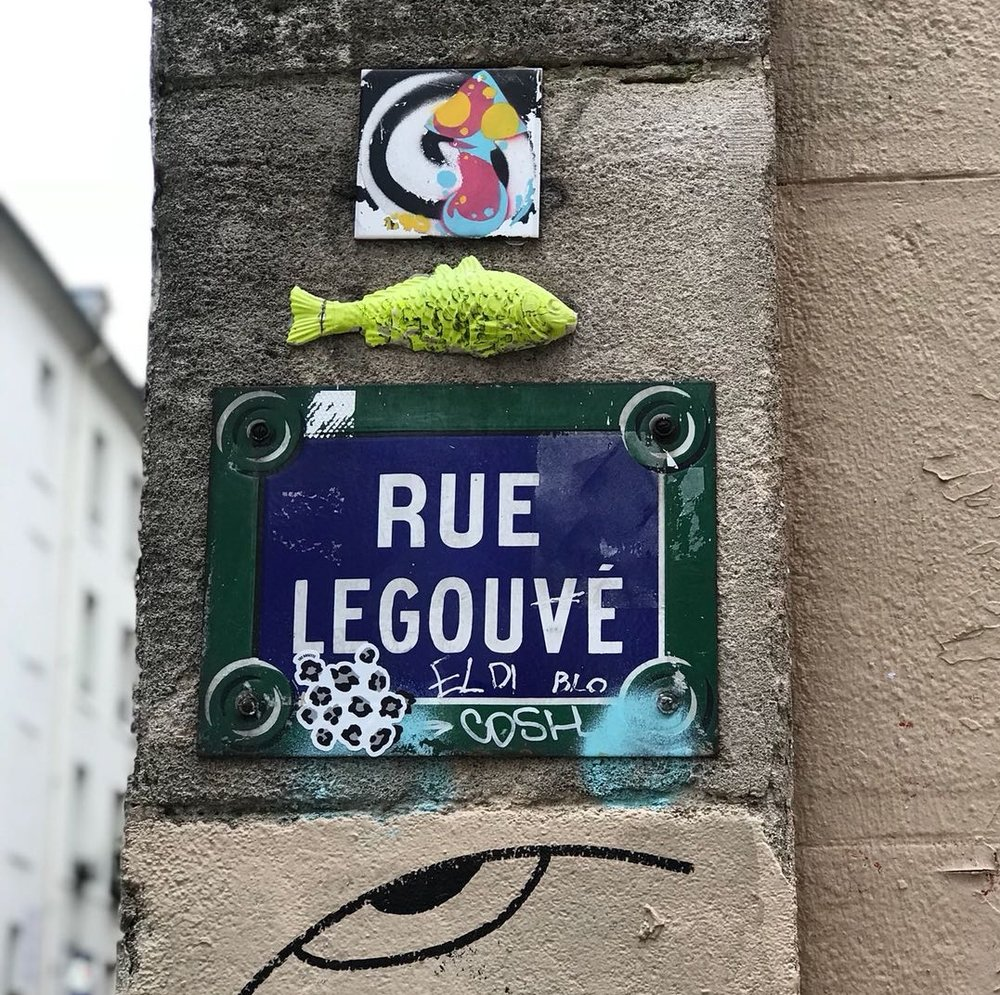 The mark of The Rosette on Rue Legouvé. Paris, Spring 2018.