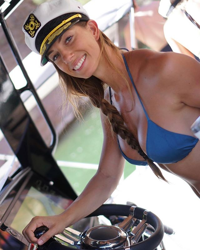 We are ready to set sail 🛳 ! . Meet @jannabreslin one of the amazing athletes joining us on the @wodonthewaves cruise.  Join her and hundreds of other high level fitness personalities on a once in a lifetime fitness adventure through the Bahamas. 🌴 ( Jan 21-25) We have a few rooms available send us a DM to find out how you can get it at a super discounted rate. Friday is the last day to book!