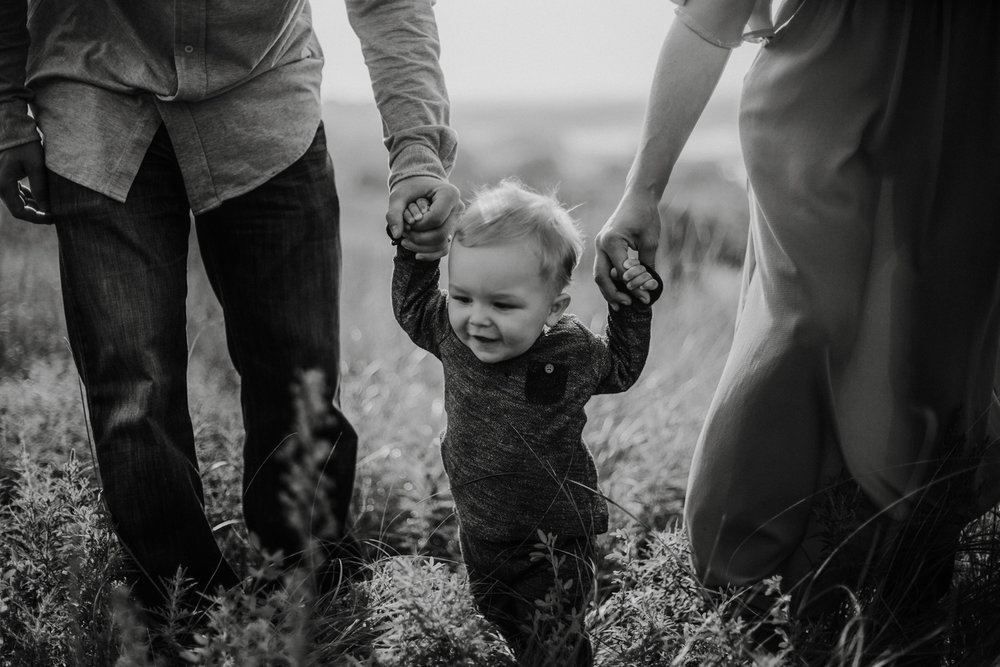 Bryden Giving Photographer-Wedding Photographer-Minneapolis-Minnesota-Saint Paul-Lifestyle-Twin Cities-Family-Sunrise