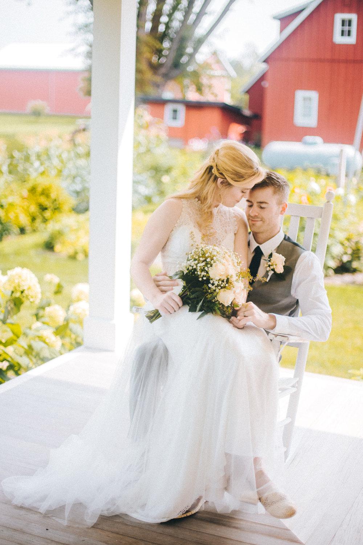 jessica and johnny, bryden giving photographer, minnesota wedding, destination wedding, summer, redeemed farm, twin cities