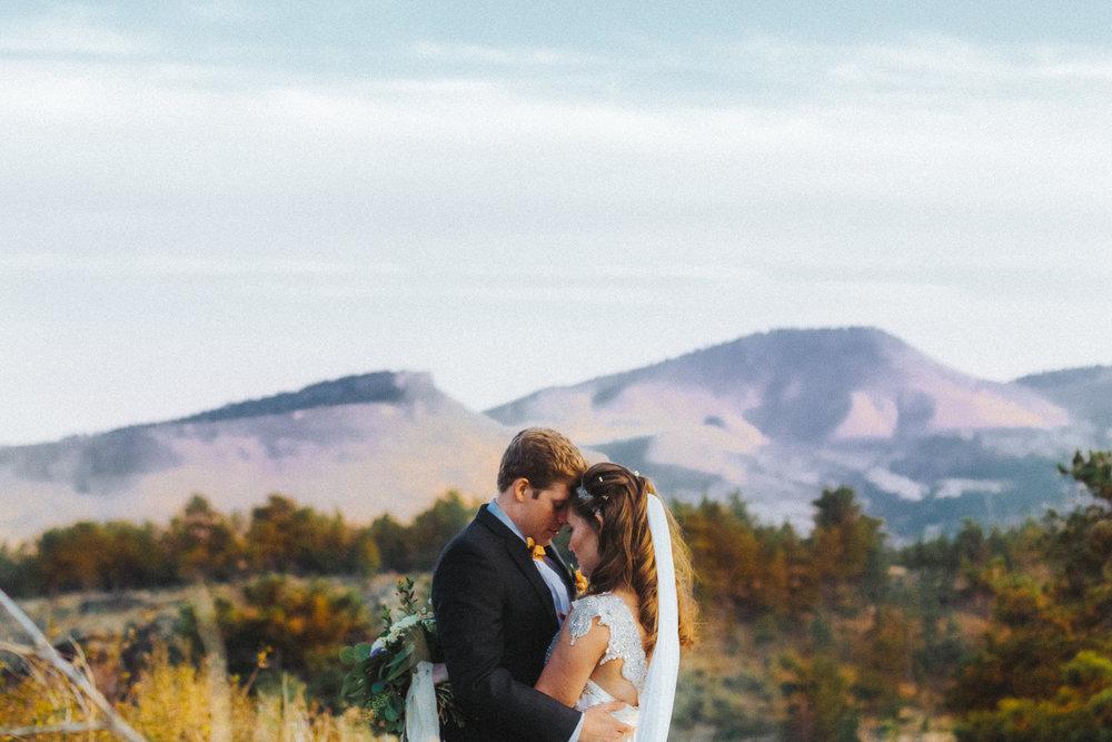 colorado, destination wedding, bryden giving photographer, lionscrest manor, boulder, denver, wedding photography, destination wedding, elopement