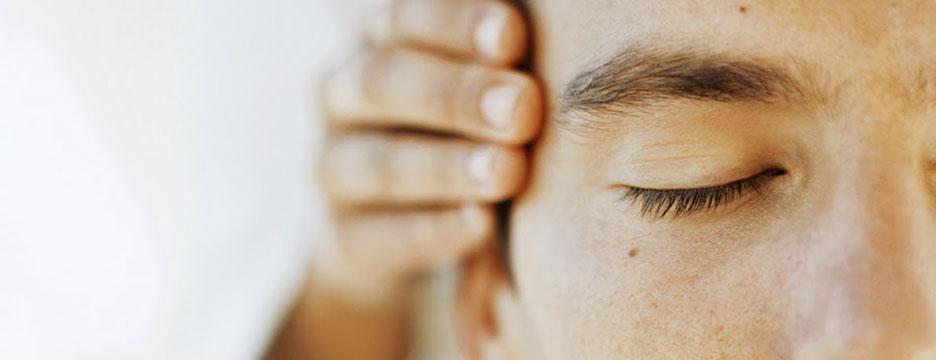 indian head massage 2-crop-u7159.jpg