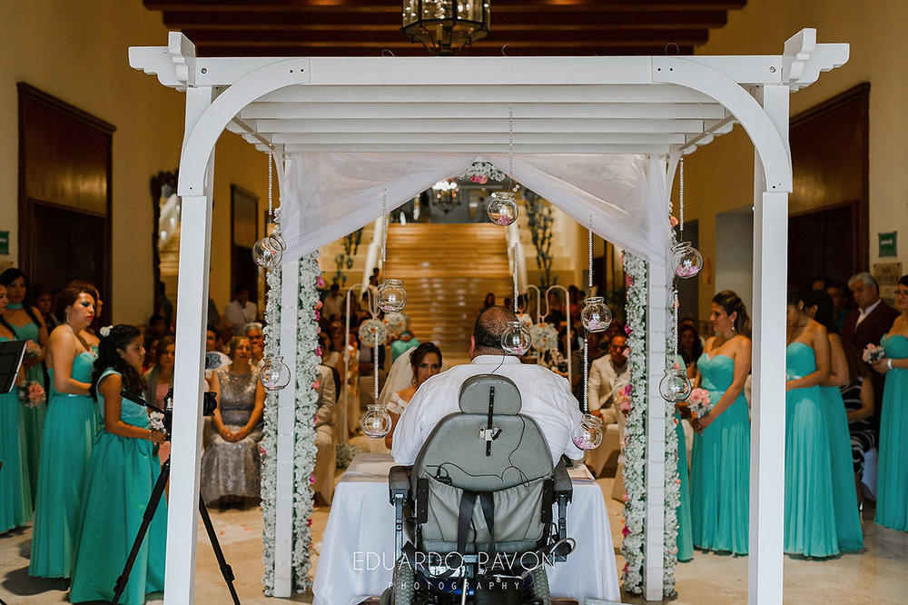 wedding-andrea-christian-fiesta-americana-veracruz-12.jpg