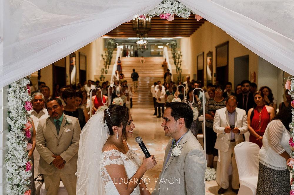 wedding-andrea-christian-fiesta-americana-veracruz-14.jpg