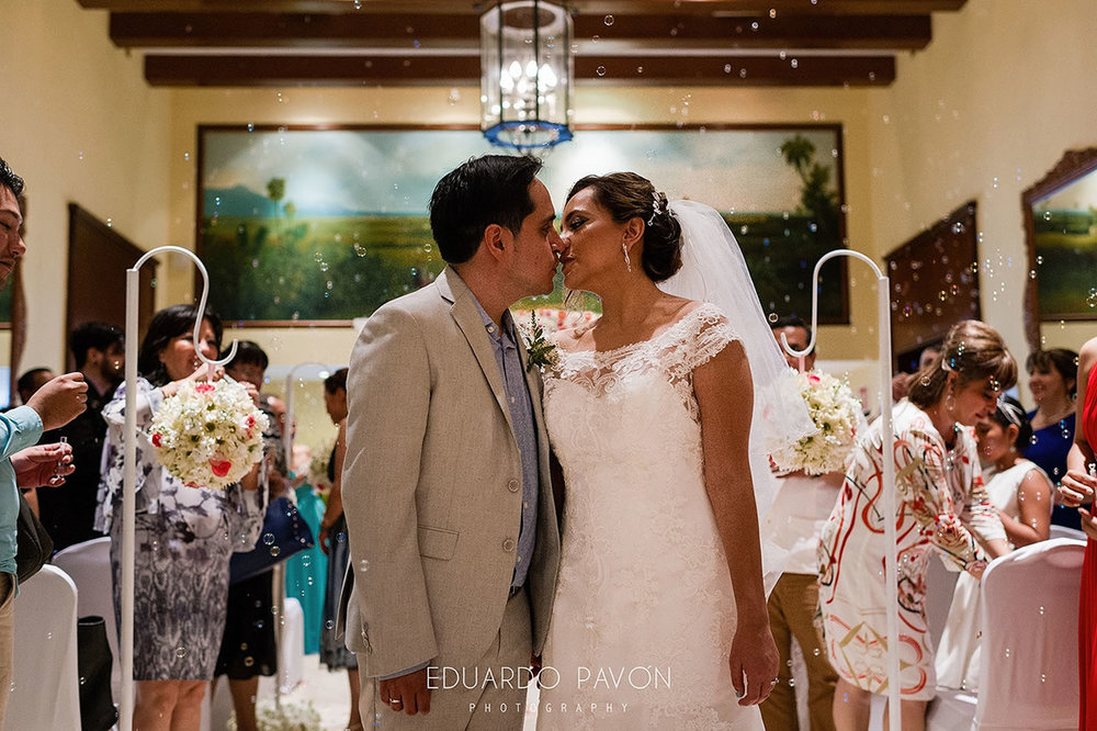 wedding-andrea-christian-fiesta-americana-veracruz-16.jpg