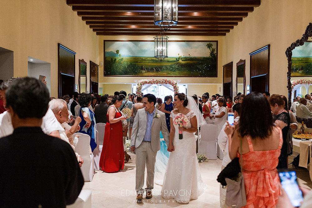 wedding-andrea-christian-fiesta-americana-veracruz-17.jpg