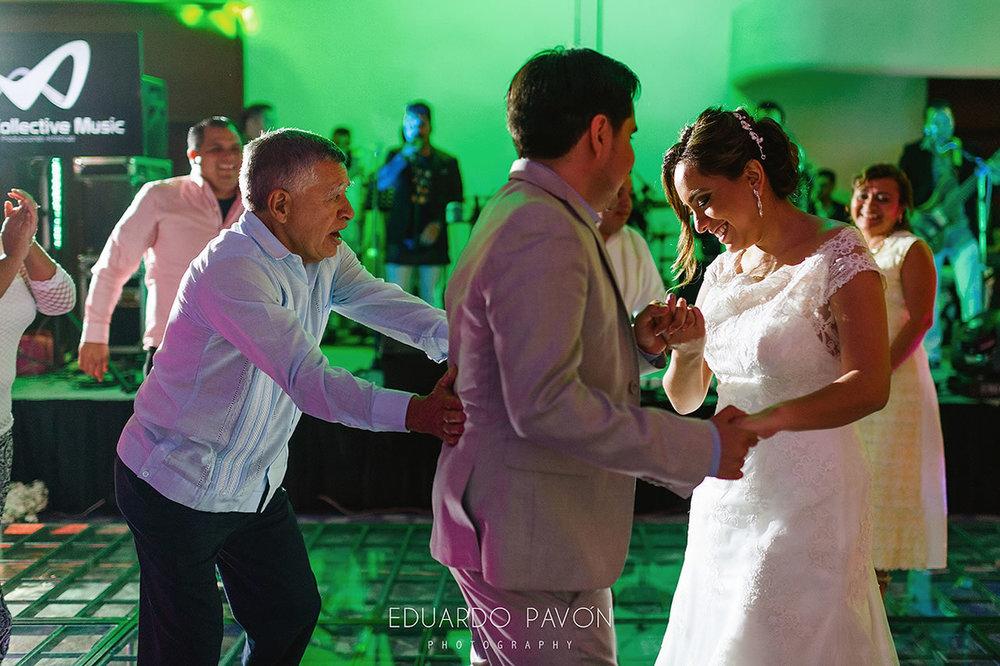 wedding-andrea-christian-fiesta-americana-veracruz-22.jpg