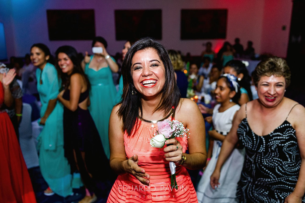 wedding-andrea-christian-fiesta-americana-veracruz-28.jpg