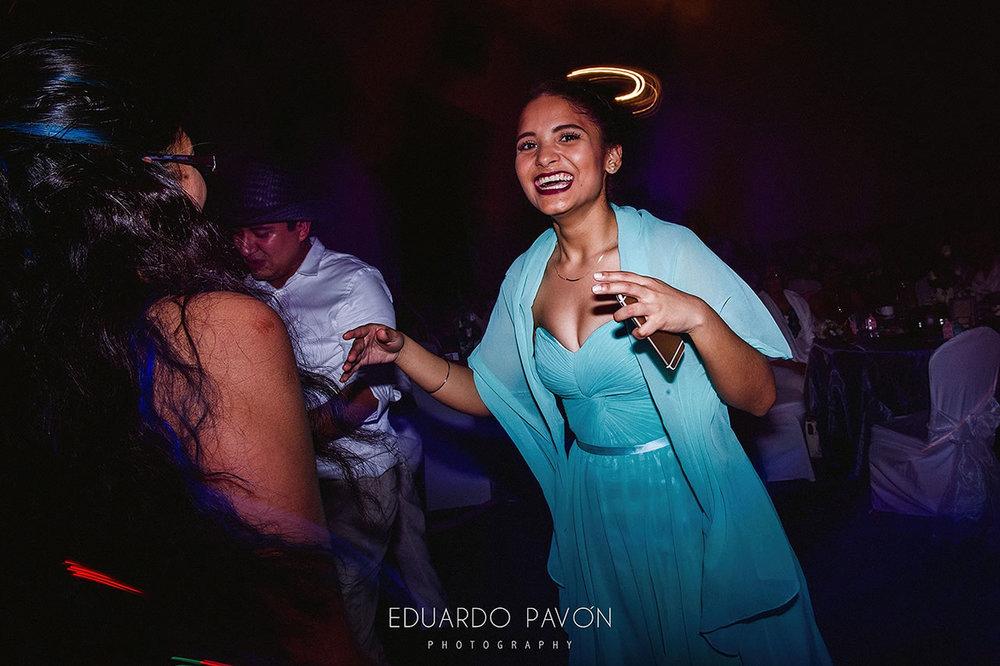 wedding-andrea-christian-fiesta-americana-veracruz-39.jpg