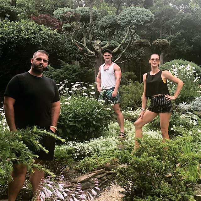 Strike a pose 🌿💥🌳 #manscapersny