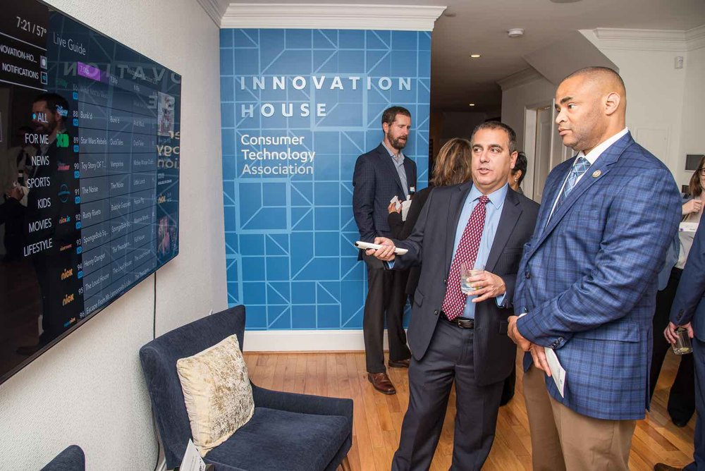 Layer3 TV CEO Jeff Binder gives Congressman Marc Veasey (D-TX) a personal demonstration of Layer3 TV during the Future of Television event at the Consumer Technology Association Innovation House on October 25, 2017.