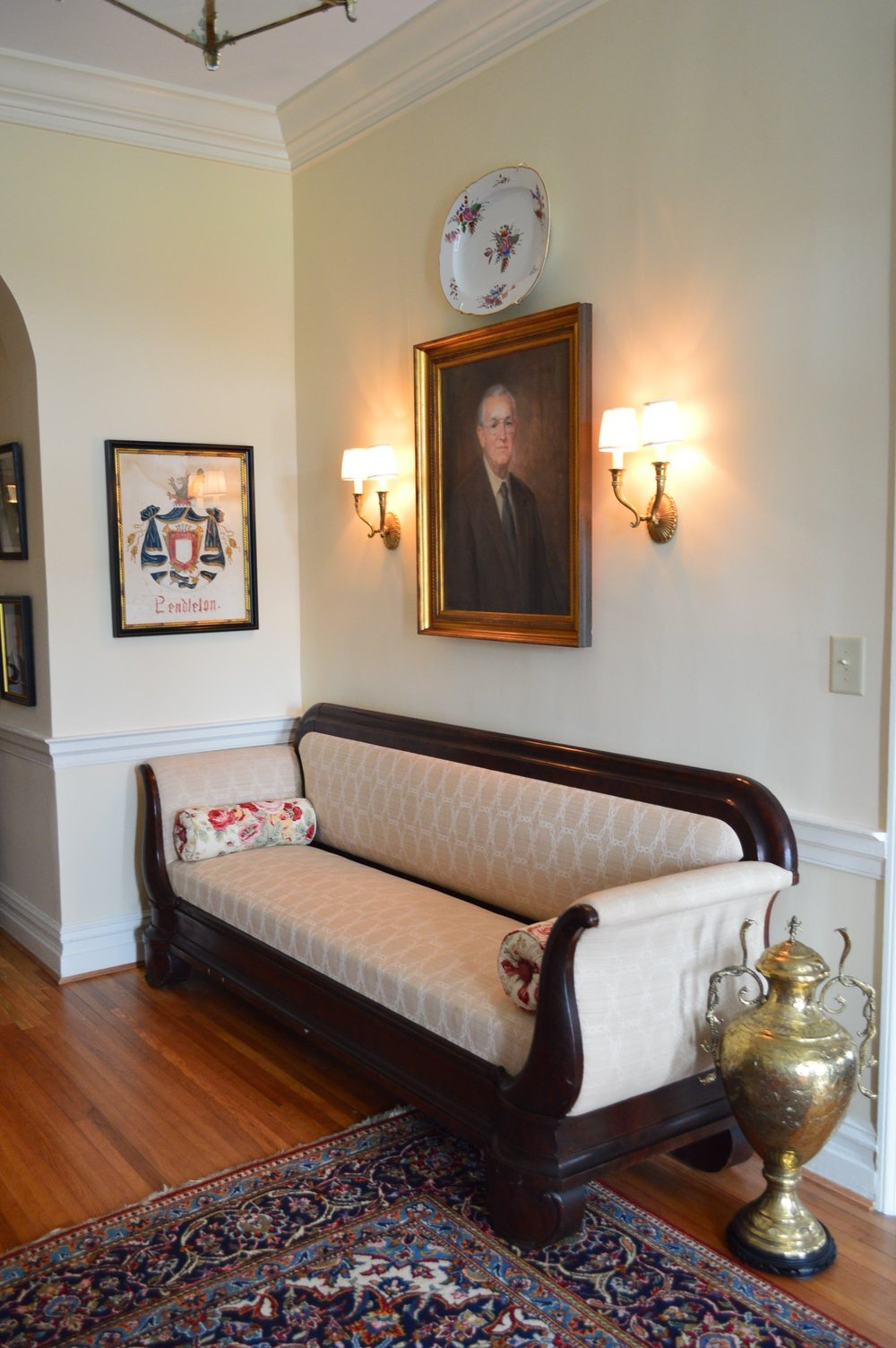 Foyer2.jpg