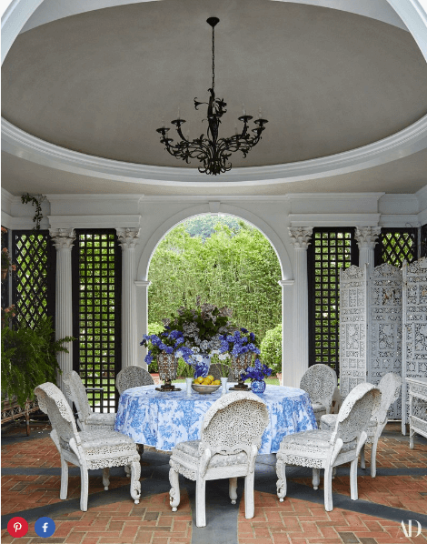 Interior of Tory Burch's Southampton pool house    Source