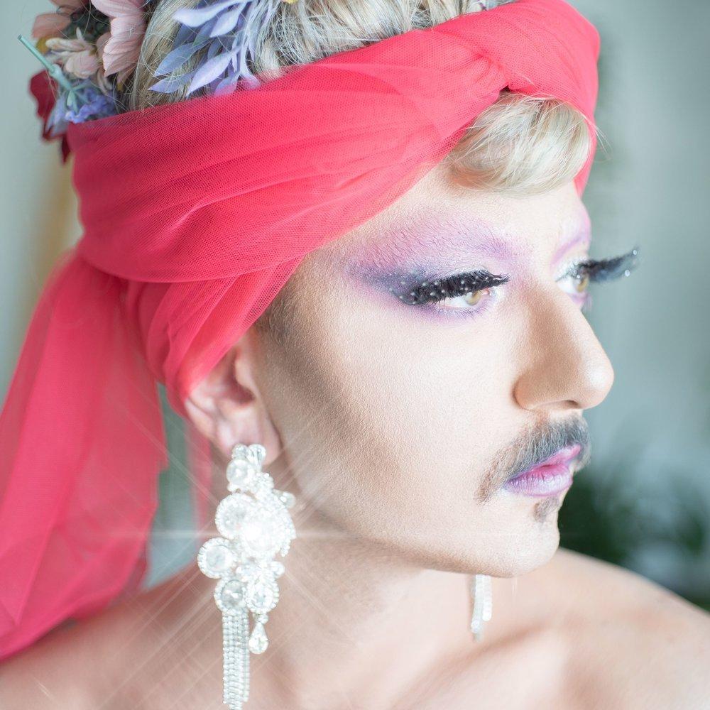 ANYA KNEEZ: A Queen In Beirut - Mohamad Abdouni