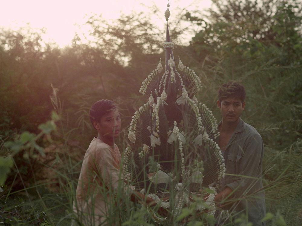 Malila-the-farewell-flower-Film-Still4(Anuchyd-Sapaphong-Sukollawat-Kanaros).jpg