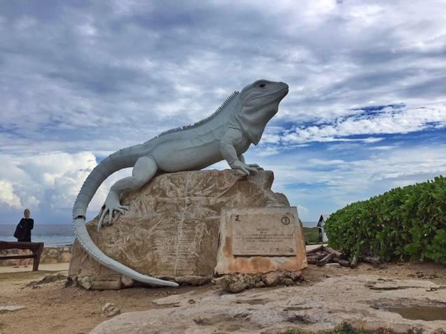 Iguana statue at Punta Sur