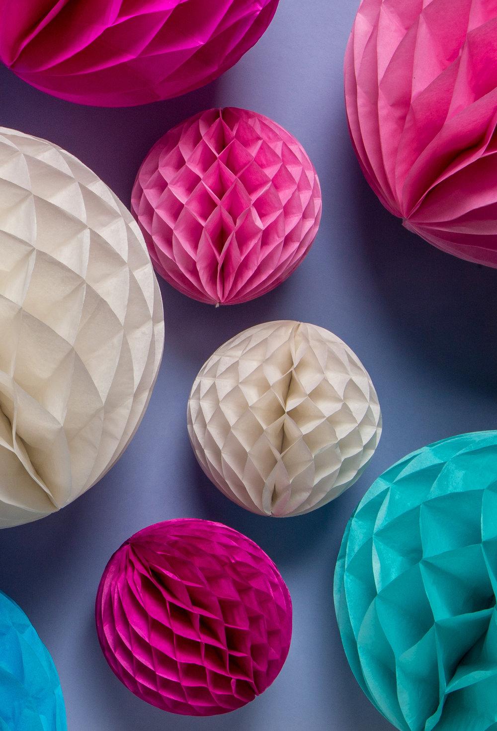 Honeycomb-bollar