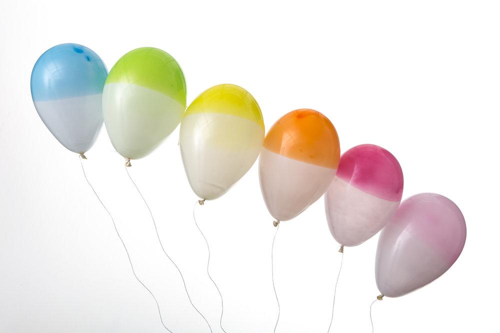 ekologiska supersnygga ballonger av naturgummi i stilrena färger av märket Marusa Balloons