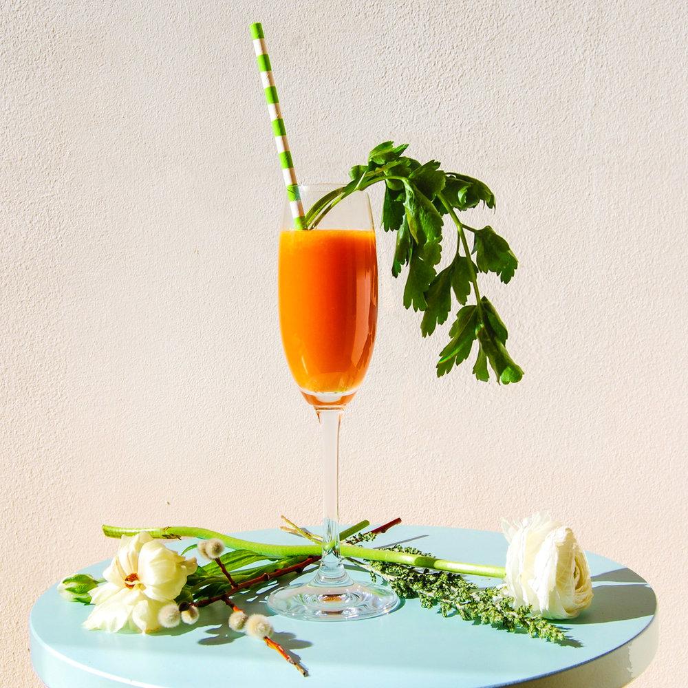 Påskdrink morots och blodapelsin mimosa