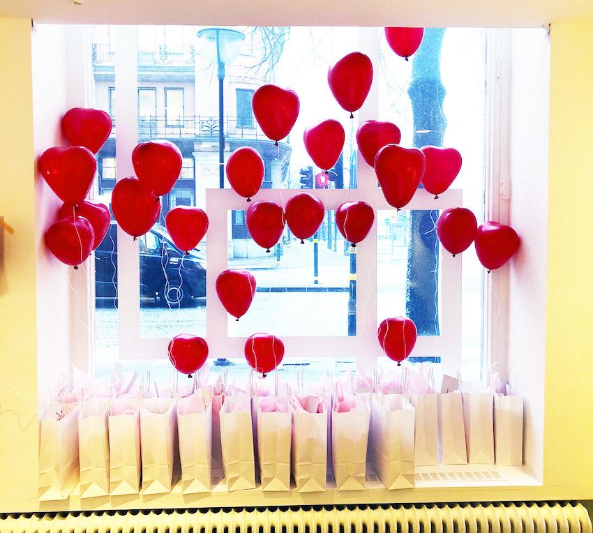 hjärtballonger och goodiebags till Galentine