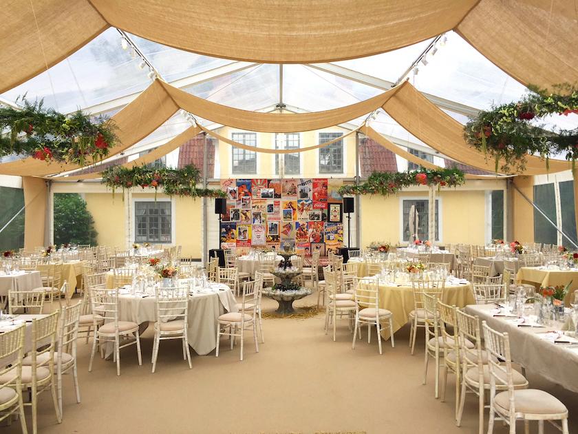 bröllops tält Tavet