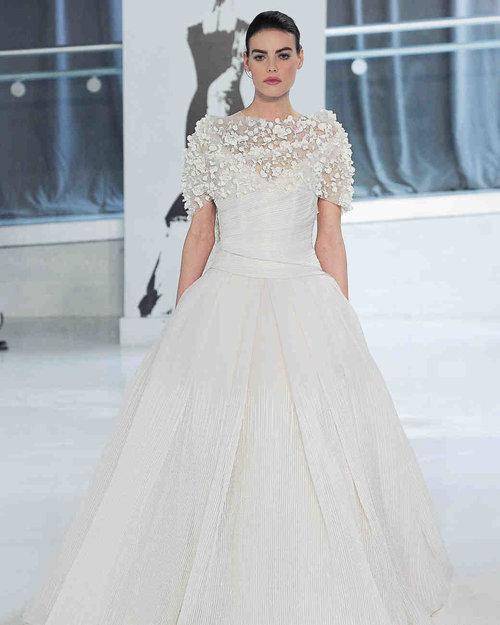 peter-langner-wedding-dress-spring2018-6339053-009_vert.jpg