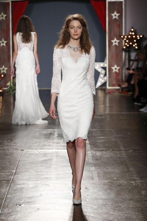 05-jenny-packham-spring-18-bridal.jpg