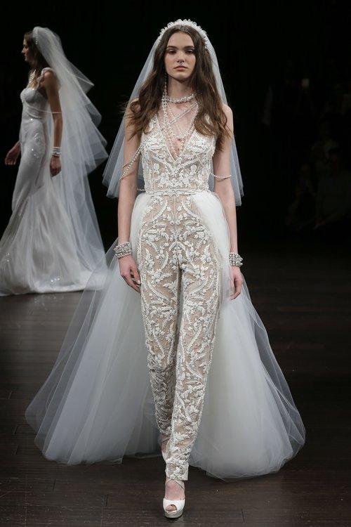 16-naeem-khan-spring-18-bridal.jpg